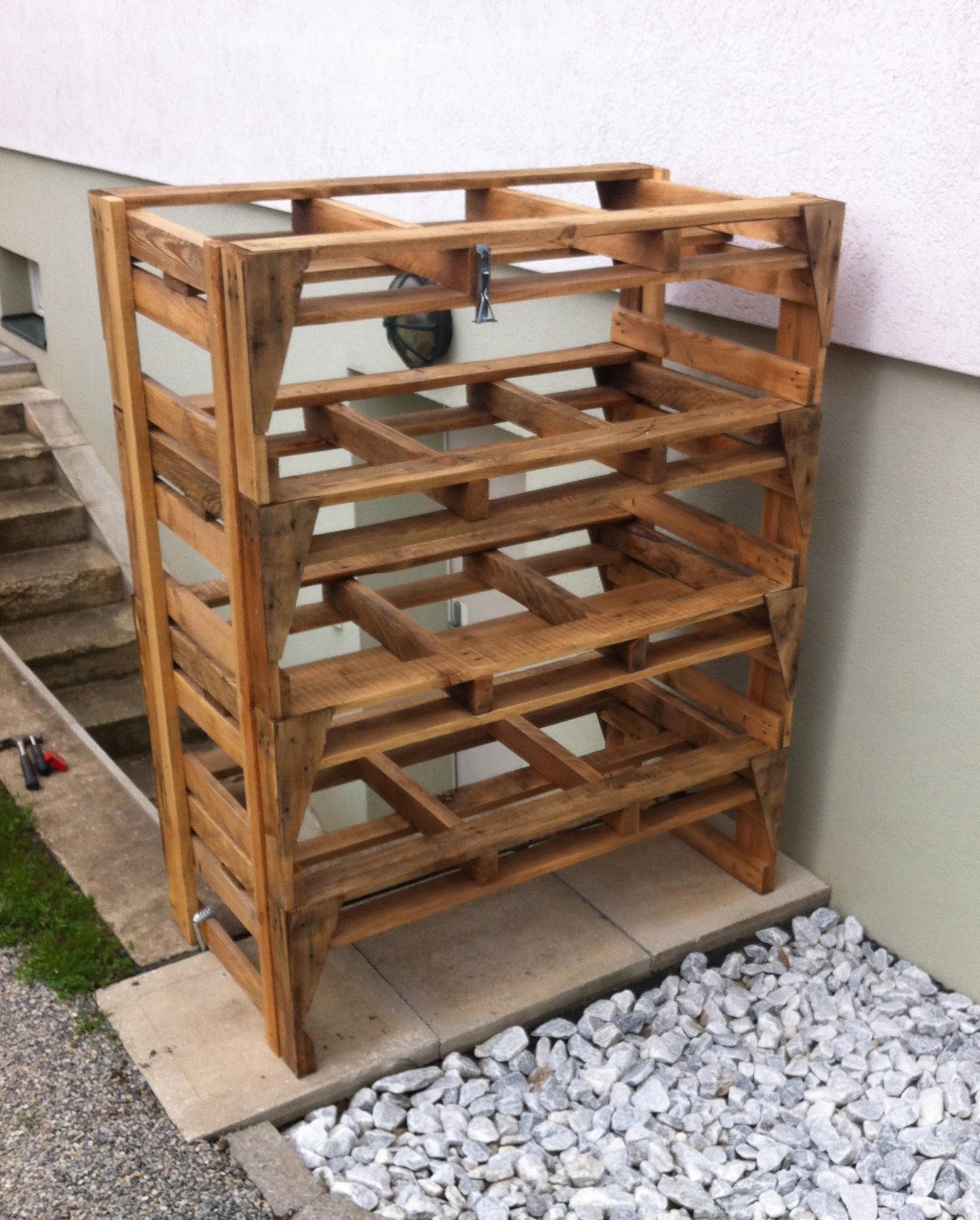 ein palettenturm f r die ganze pflanzenpalette die. Black Bedroom Furniture Sets. Home Design Ideas